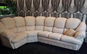 Отремонтированный угловой диван